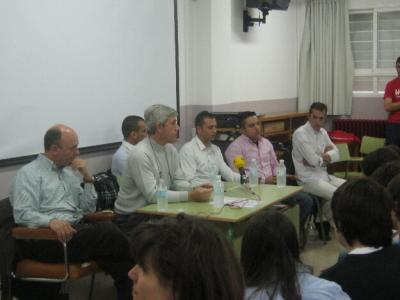 Los alumnos del Baltasar Gracián conocen los peligros de la droga junto a presos de Zuera